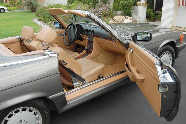 Mercedes roadster SL R107
