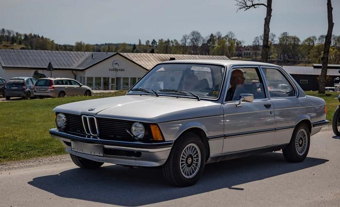 BMW 318i E21