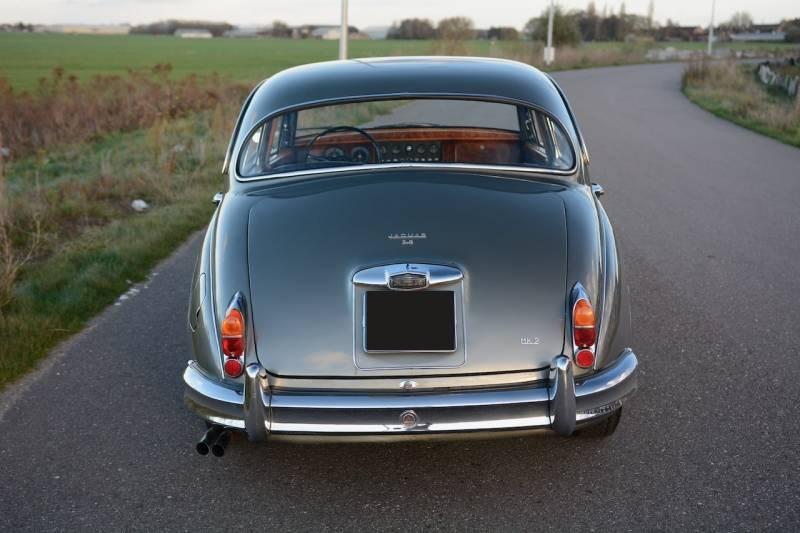Jaguar Mk2 3.8, la voiture des Gangsters